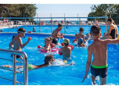 Приветливый берег  Геленджик   открытый бассейн