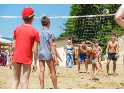 Приветливый берег  Геленджик   собственный оборудованный пляж