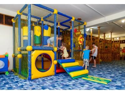 Приветливый берег  Геленджик   развлечения для детей
